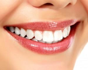 Ein strahlend weißes Lächeln, wie es jeder gerne hätte.